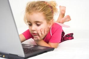 girl-on-computer1