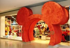 DisneyStore1