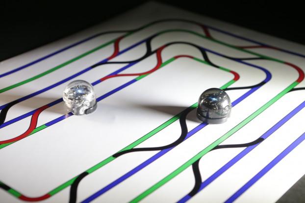 Ozobot following line patterns (2)