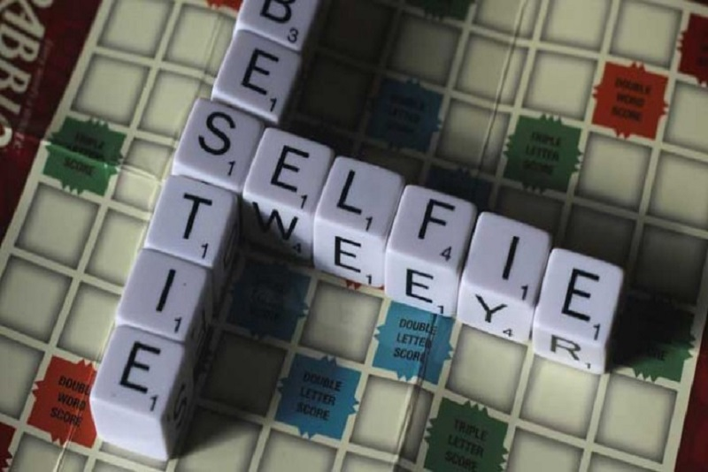 scrabble-words-selfie-690x394