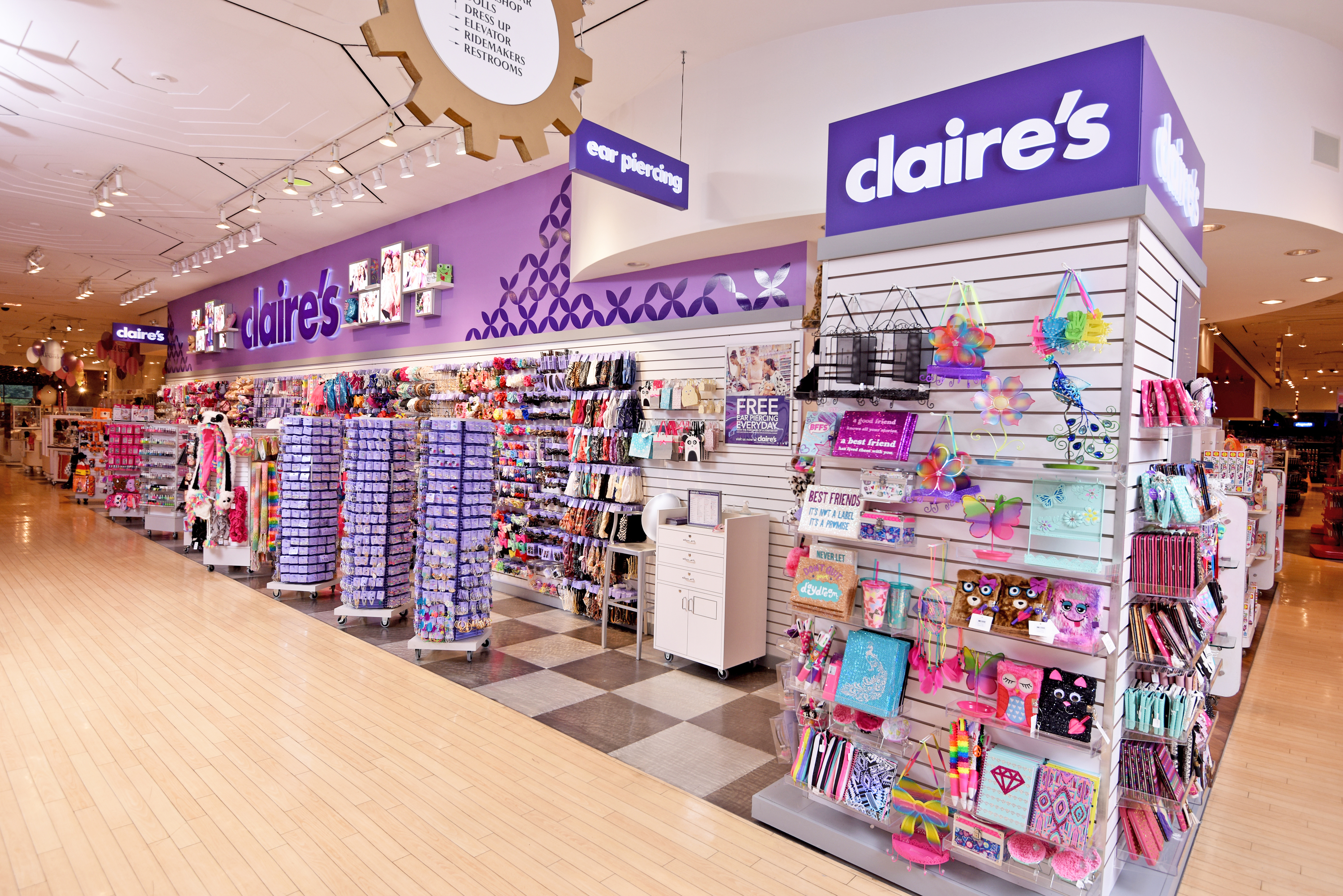 Kidscreen » Archive » Toys 'R' Us brings in Claire's to ...