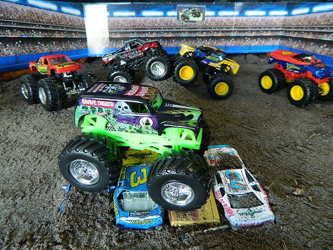 monsterjam-toys