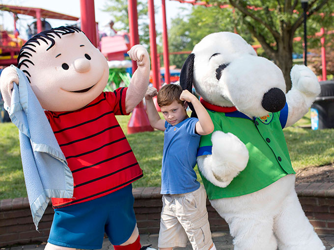 Snoopy-Linus-and-Fan-KI