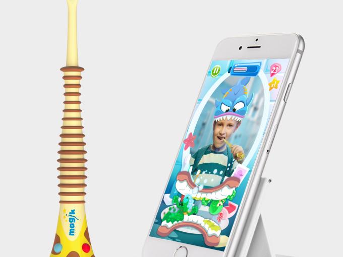 CES-magiktoothbrush
