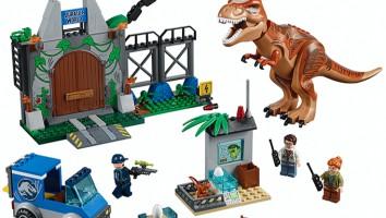 Jurassic-LEGO