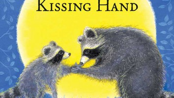 thekissinghand
