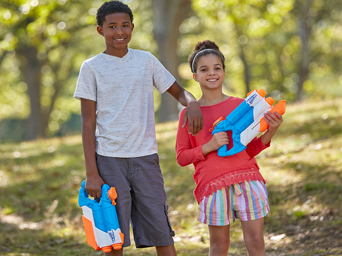 Nerf Supersoaker Twintide Lifestyle