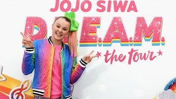 Nickelodeon's JoJo Siwa Announces Her Upcoming EP And D.R.E.A.M. Tour At Sugar Factory In NYC On November 7, 2018