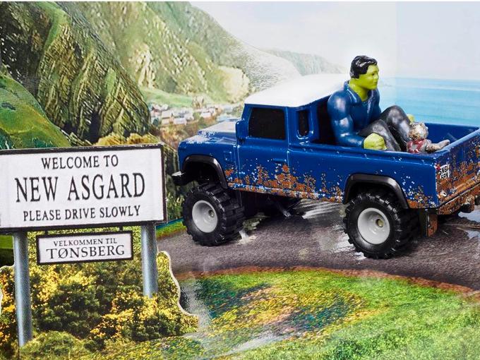 Hot Wheels Marvel land rover