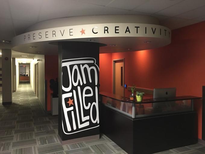 jamfilled-office