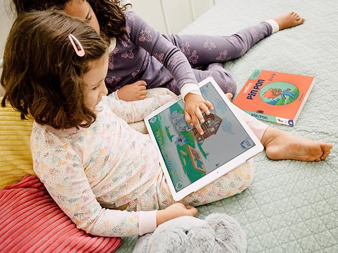 Tech Encantos 2 resized girl on tablet