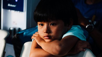 sad_kid_chinh-le-duc-unsplash
