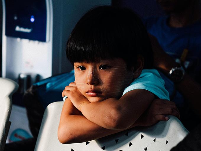 sad_kid_chinh-le-duc-unsplash